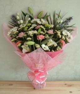 pink white bouquet dubai