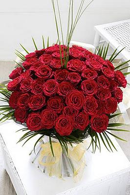 big bouquet of roses Dubai