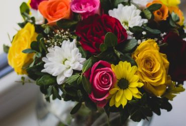 tips on cutting and arranging best flowers delivery Dubai