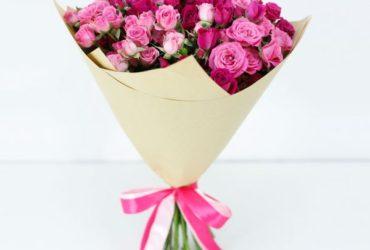 spray-roses-and-regular-roses
